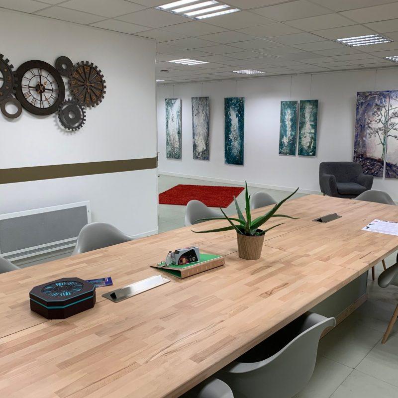 Salle de coworking du centre Lab-Ad-Hoc de Maisons-Alfort