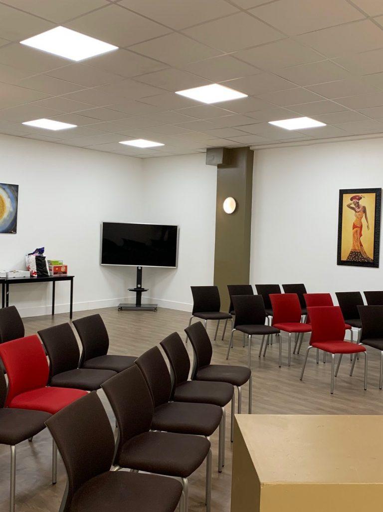 salle de réunion visant à promouvoir l'entrepreneuriat à Maisons-Alfort